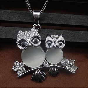 NWT Owls on a branch necklace
